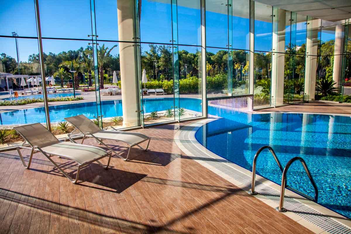 hotel met binnenzwembad